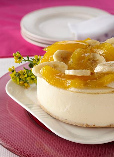 Cheesecake con dulce de papayuela y bananos