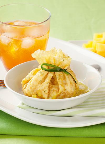 Crepe rellena de camarones al curry