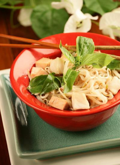 Curry de pescado con fideos de arroz