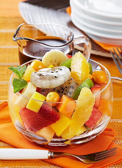 Ensalada de frutas con almíbar de té