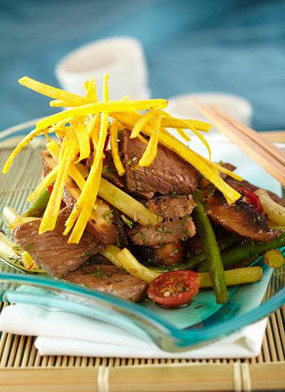 Lomo de res al wok con habichuelines y portobello