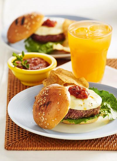 Minihamburguesas con queso mozzarella