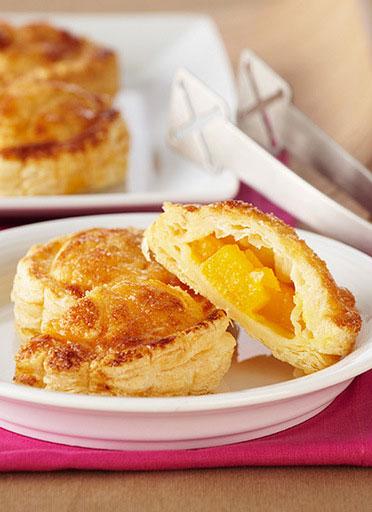 Pasteles de hojaldre con mango