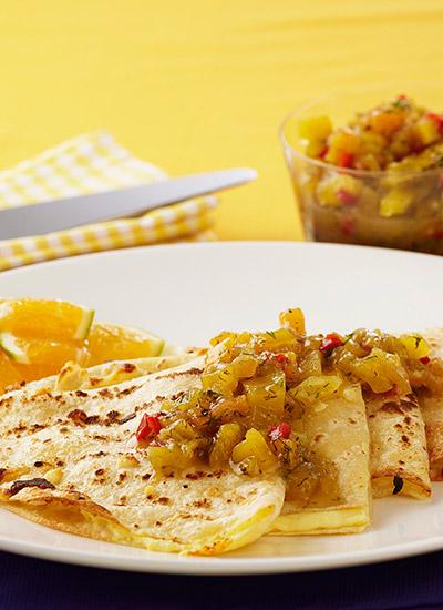 Quesadillas con chutney de mango y melón