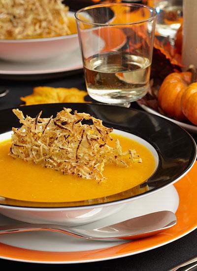 Crema de ahuyama con curry y albahaca