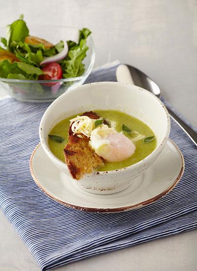 Crema de brócoli y huevo