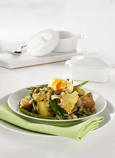 Ensalada de papa, habichuelas y huevo