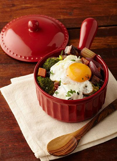 Estofado de vegetales y huevo