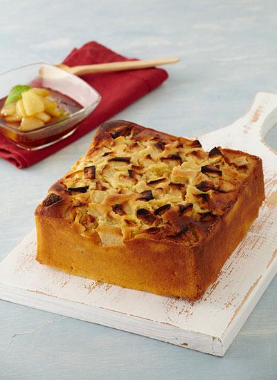 Torta de maíz, almendras y manzana confitada